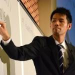 プレイベントで模擬授業を披露する野田塾の濱口将成先生