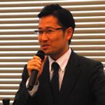 オンラインを活用した英語学習について講演するGGIの錦織彰代表