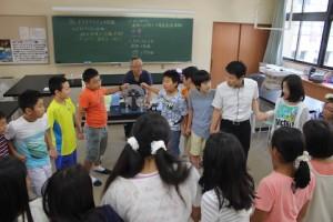 理科実験や天体観測の授業は片山学園の先生にも協力してもらえる