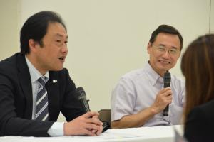 合同ディスカッションに登壇した四谷大塚入試センターの岩崎隆義センター長(左)と森上教育研究所の森上展安代表