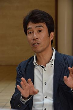 東京外国語大学の岡田昭人教授