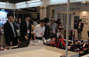 学びNEXTゾーンには、プログラミングロボットなども展示されていた