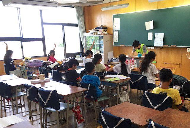 ガッツ学習塾の授業の様子。5月16日から7月22日まで実施した。