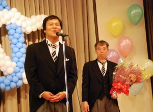 挨拶をする小椋義則氏(左)と木村正泰氏(右)